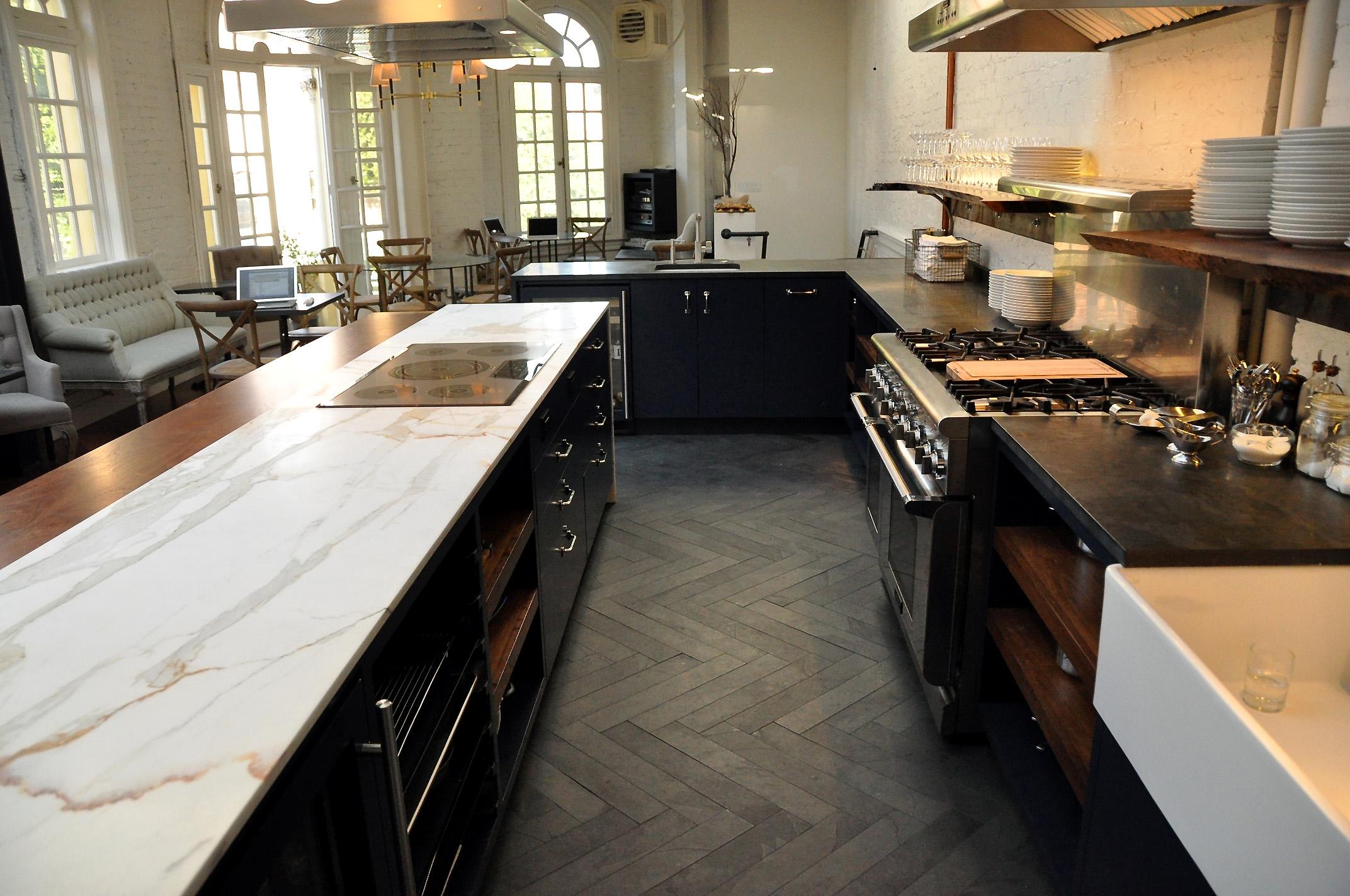 Kitchen Cabinets, Light or Dark?