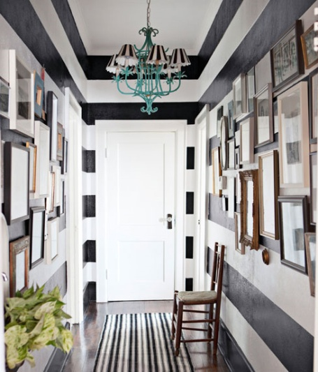 inspiration-snapshot_striped-hallway_country-living