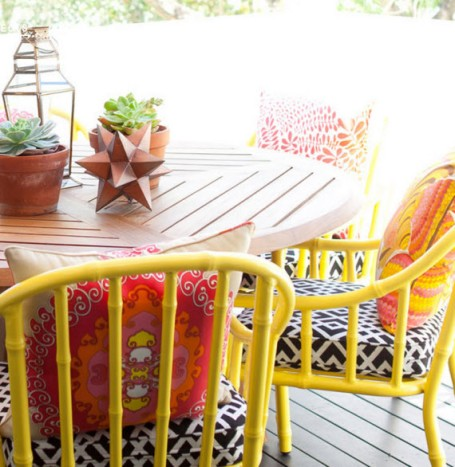 yellow-outside-dining-chairs