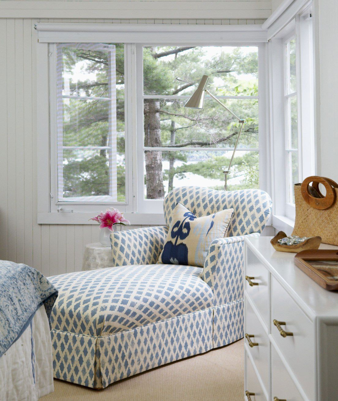 Cottage Bedrooms: Kate Collins Interiors